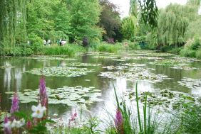 Monet's water lily pond, Giverny