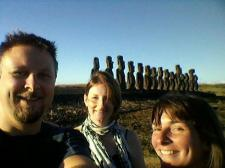 with Dave & Sandra at Ahu Tongariki (photo credit : Dave Goldstraw)