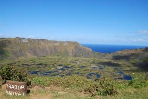 Rano Kau : Kau Volcano, 1600m wide/200m deep