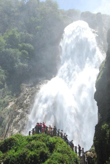 Velo de Novia falls