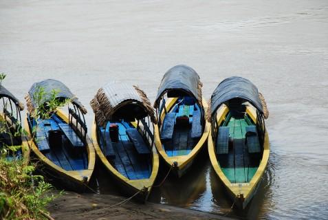 boat to Yaxchilan