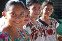 altares en escuela, Hanal Pixan, Mexico