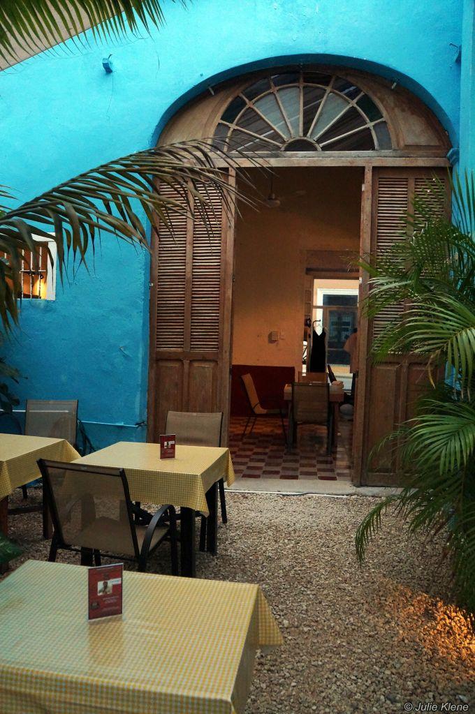 Café Crème patio, Merida, Mexico