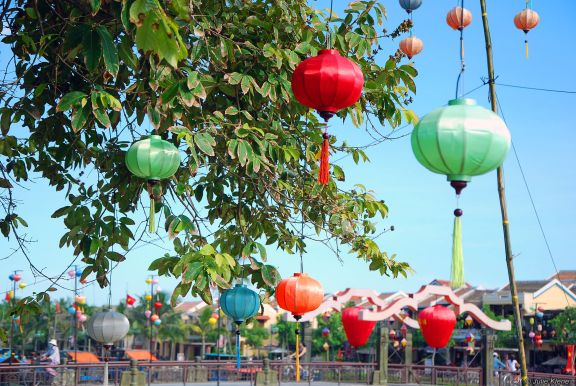 red lanterns, Vietnam