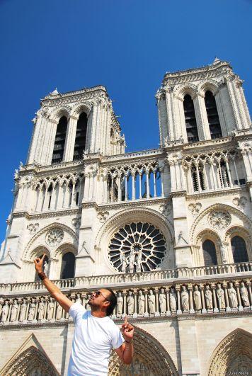 Notre Dame & Rulo, Francia