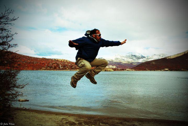Dia 12 Una Persona Saltando