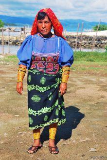 Kuna woman, San Blas islands, Panama