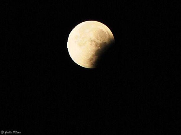Super Moon eclipse, Paris, France