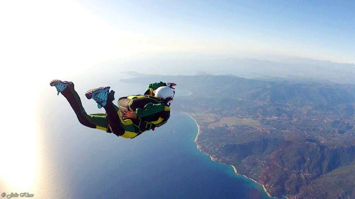 J'ai appris à Sauter en Parachute en Corse, avec NewtonParachutisme